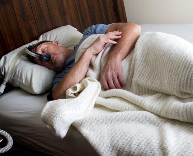 man-sleep-with-preparat